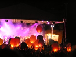 The show ending with hot air lanterns