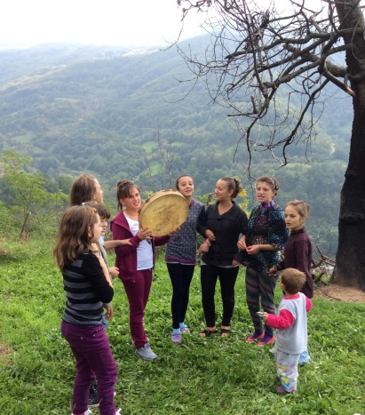 Girls singing Bajram songs